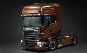 Scania V8 Black Amber, colosal demostración